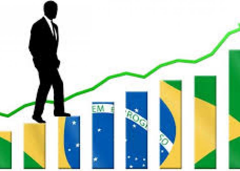 Governo aumenta para 2,40% previsão de alta do PIB em 2020