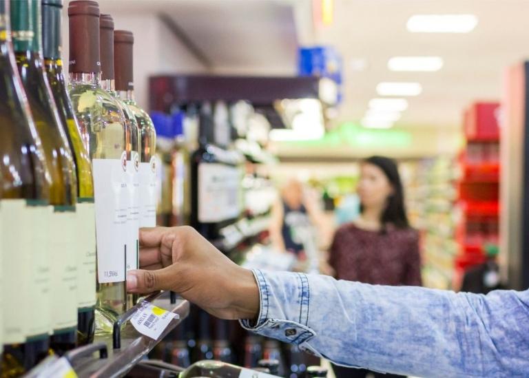 Supermercados se mobilizam para vender mais vinhos no Brasil