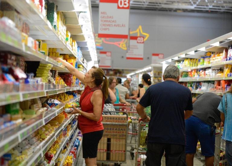 VENDAS A PRAZO NA SEMANA ANTERIOR AO DIA DAS MÃES CRESCEM 0,11%