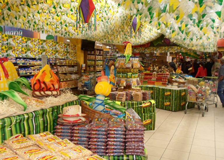 FESTAS JUNINAS: TEMPORADA DE LUCRO PARA COMERCIANTES E PRESTADORES DE SERVIÇOS