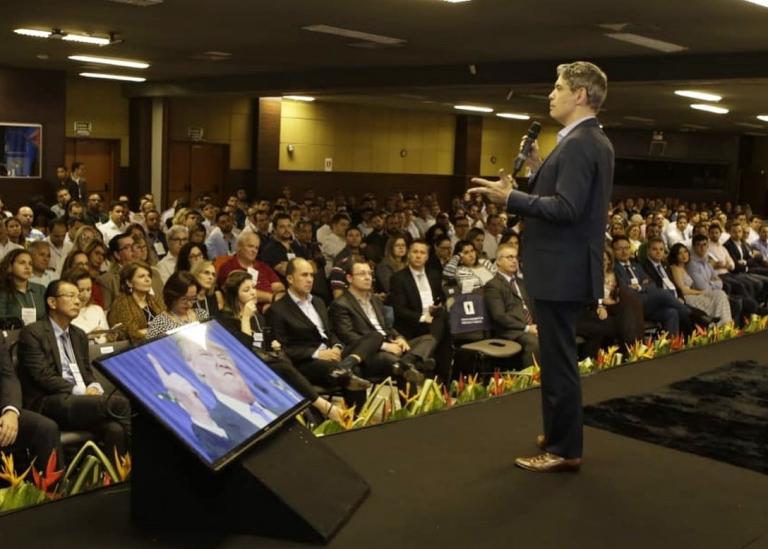 Reforma da Previdência e investimento são decisivos, diz Ricardo Amorim na Expo-Ecos