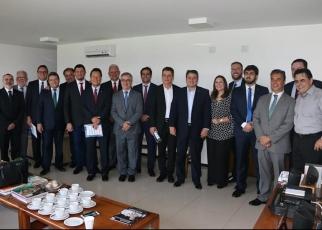 PRESIDENTE DA ABRAS PARTICIPA DE ENCONTRO COM PARLAMENTARES DA FRENTE CSE