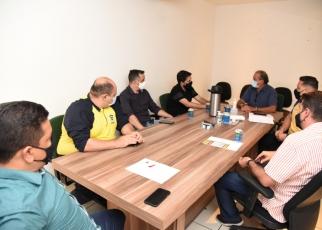 Secretário da Semob se reúne com representantes de shoppings e supermercados para fiscalizar vagas prioritárias nesses locais